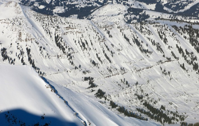 Loose wet avalanches on steep south to southwest slopes.